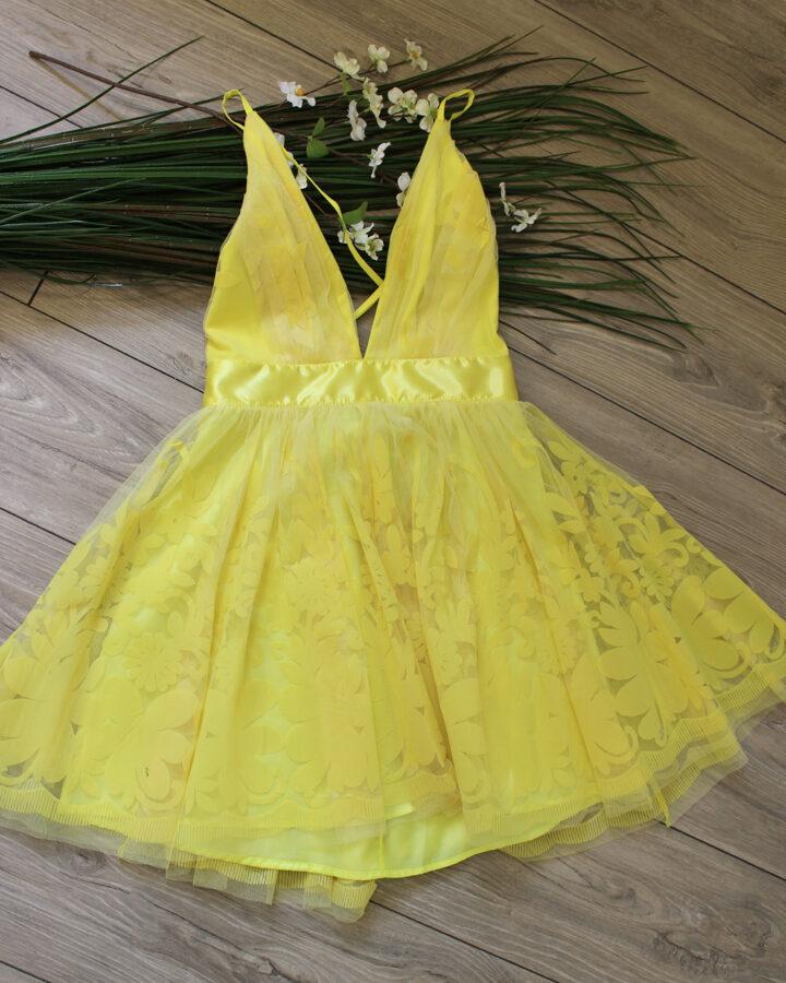 Geltona suknelė