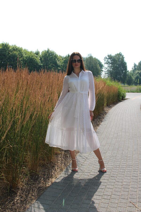 Balta-kreminė suknelė
